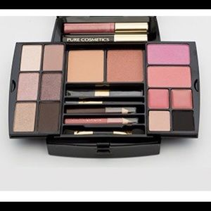 Pure Cosmetics The Essentials Makeup Kit